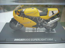 "DIE CAST "" DUCATI 900 SUPERLIGHT 1994 "" SCALA 1/24"