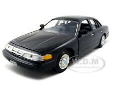 1998 FORD CROWN VICTORIA BLACK 1:24 DIECAST MODEL CAR BY MOTORMAX 76102