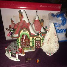 Department 56 Santa's Visiting Center North Pole Christmas Village in Box