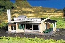 Bachmann Plasticville 45804 - Drive In Bank - 'N' Gauge Plastic Model - T48 Post