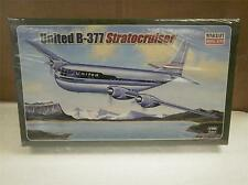MINICRAFT MODEL KIT- 14501 UNITED B-377 STRATOCRUISER- 1/144- SKILL 2- NEW- W51