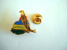 PINS RARE BOAT ISLAND ILE MAURICE CATAWORLD CUP 91 VOILE SAIL SAILING VOILIER
