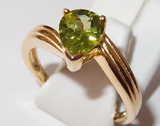 AA Peridot 1.50ct twist solitaire in yellow gold overlay Sterling Silver, Size S