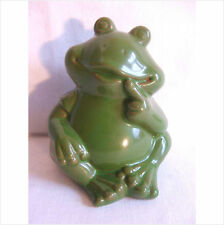 .LATEX MOULD/MOULDS/MOLD.  4 INCH SITTING FROG WITH FINGER TO MOUTH