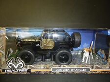 Jada Jeep Wrangler 2007 Off Road Camouflage with a dog figure 1/24