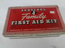 VINTAGE SENTINEL FAMILY FIRST AID TIN ADVERTISING COLLECTIBLE  G-15