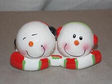 NEW CERAMIC CHRISTMAS MR & MRS SNOWMAN WITH BASE SALT & PEPPER SHAKERS 3pc SET
