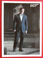 JAMES BOND - Quantum of Solace - Card #010 - Bond Returns to MI6 Safehouse