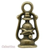 10 Antique Bronze 3D Lantern Lamp Charm - Victorian Steampunk Oil Lamp Charms