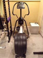 elliptical Precor EFX 524 Used Less Than 5 Hours!