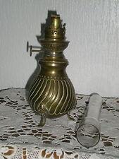 LAMPE A PETROLE EN LAITON TRIPODE BRULEUR J R  BEC ROND PARISIEN