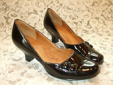 SOFFT Black Patent Leather 2 Button Toe Leather Lined Spats Kitten Heels 7.5M