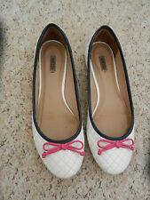 AREZZO ~ White Quilted Ballerina Shoes Flats with Pink Bow ~ Size 6/39