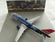 FAT-FAR EASTERN AIR TRANSPORT TOYOTA CAMRY #B-27011 MODEL PLANE W/DISPLAY CASE