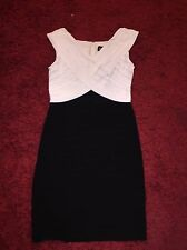 Adrianna Papell Black & White Shutter Pleat Jersey Semi Formal Dress size 14