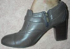 CLARKS Indigo size 10 medium NEW taupe brown leather bootie stylish