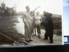 DANCING BEAR  WW2  CALCUTTA   SOLDIER AND GIRLS TEASING !! ANIMAL CRUELTY TODAY