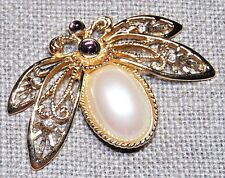 VINTAGE GOLD TONE FAUX PEARL AMETHYST COLOR CRYSTAL BUG FLY FLOWER PIN BROOCH