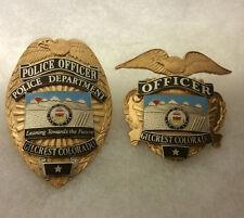 APRIL MFG OBSOLETE VINTAGE GILCREST COLORADO POLICE PATROLMAN BADGE SET 2 TONE