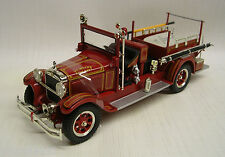 1928 Studebaker Fire Truck Ft Wayne 1:32 Die-Cast Signature Models 32347