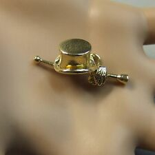9 ct gold second hand top hat,  cane & gloves charm
