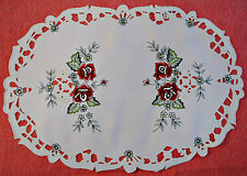 VINTAGE FLORAL ART TWO ROSES CUT EMBROIDERY WHITE RED GREEN OVAL COASTER DOILY