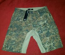 $78.00  Diesel   Green  Camoflage  Shorts  Men's Size 28