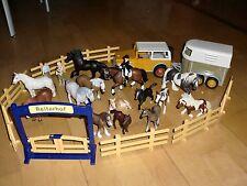 *MEGASET* Schleich Jeep Anhänger Reiterhof Zaun Dressur 14 Pferde Menschen *TOP*