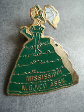 PINS RARE ROBE FEMME MISSISSIPPI WOMAN