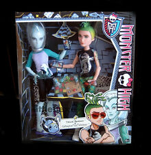 "Monster High 2er - Set Gillington  ""Gil"" Webber & Deuce Gorgon CBX42 NEU OVP"