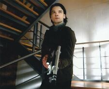 Andrew Lee Potts UNSIGNED photo - 4 - Primeval