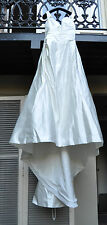 Casablanca Bridal Gown Wedding Dress Ivory 6 or 8 with Train