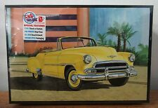 AMT 1041 1951 Chevrolet Bel Air Sun Cruiser Convertible Plastic model kit 1/25