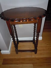ANTIQUE OAK BARLEY TWIST OVAL NIGHT STAND ENGLISH  END TABLE SCALLOPED EDGE OLD
