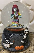 NIGHTMARE BEFORE CHRISTMAS SALLY JACK SKELLINGTON SNOWGLOBE Halloween