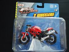 Maisto Ducati Monster 696 Red 1/18 Motorcycle Bike