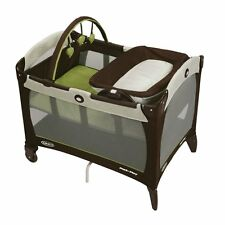Graco Deluxe Pack and N Play Pen Playard Bassinet Napper Changer Go Green NEW