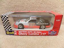 New 1992 Revell 1:24 Scale Diecast NASCAR Darrell Waltrip Western Auto Lumina