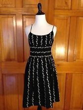 Beautiful $98 ANN TAYLOR Embroidered Black White SUNDRESS Women's Size 0 Dress