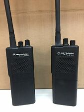 Motorola Radius GP 300 Funkgerät Walkie Talkie Set Ladestation Akku