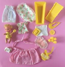 BARBIE Baby-Sits #7882 BABY TUB CHAIR CLOTHES BOTTLES APRON+ Sears Excl. 1974