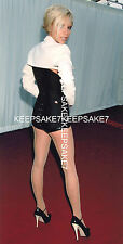 "VICTORIA BECKHAM ""POSH SPICE"" LEGGY SEAMED NYLONS BACKSIDE REAR POSE PHOTO A-VB"