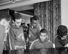 Jairzinho Pele et Brésil Ses coéquipiers Relax 1966 Coupe Du Monde 10x8 Photo