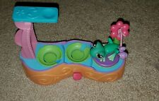 Littlest Pet Shop Leapin Lagoon Lily Pads Diving Board Play Set with 1 frog