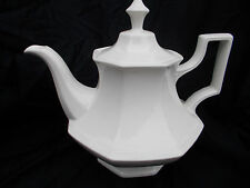 Johnson Brothers HERITAGE Teapot. Large size. 2 pint capacity