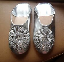 MOROCCAN *SILVER LEATHER SEQUINED SLIPPERS * 4/37 *