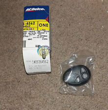 NOS 2001-05 Venture,Transport,Montana Keyless Entry Transmitter # 09364562