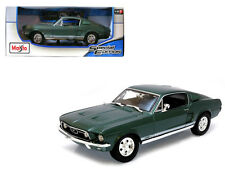 Maisto 1/18 Scale 1967 Ford Mustang GTA Fastback Green Diecast Car Model 31166