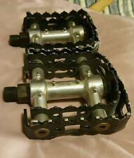 """GT DOUBLE Claw / Cage BMX OLD SCHOOL Racing Pedals.RARE.9/16"""" for 3 piece cranks"""