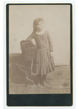 ANTIQUE CABINET PHOTO OF YOUNG GIRL WITH POSING STOOL